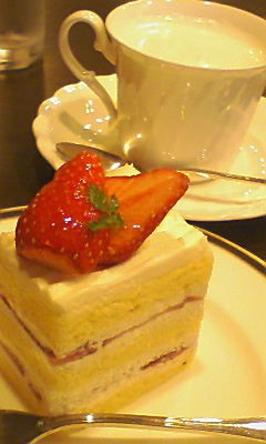 ケーキ食べてたら、
